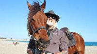 Kovboy şapkasını takıp Antalya sokaklarında at koşturuyor: Gören bir daha bakıyor