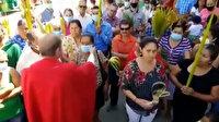 Katolik rahipten skandal istek: Vatandaşlardan maskelerini çıkarmalarını istedi