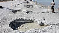 Salda Gölü'nde çamur çukurları kapanmaya başladı