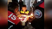 Balıkesir polisinden minik Halil'e doğum günü sürprizi
