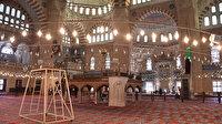 Selimiye Camii'nde ramazan hazırlığı: Avizeleri gül suyuyla temizlendi