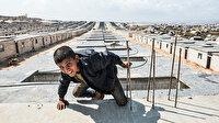 Briket evlerde çocuk olmak: Tüm yaşadıklarına rağmen gülmekten vazgeçmiyorlar