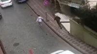 Eyüpsultan'da güpegündüz silahlı çatışma: Korku dolu anlar kamerada