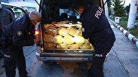 Adana'da iki hafif ticari araçta gümrük kaçağı yaklaşık bir ton tütün ele geçirildi