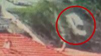Sarıyer'de uçuruma yuvarlanan otomobil kameraya yansıdı