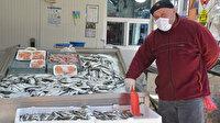 Avlanma yasağı başlayınca ihtiyaç küçük teknelerden karşılanıyor: İstavrit, barbun ve mezgit avlanıyor