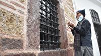 Diriliş Ertuğrul dizisinden etkilenen Pakistanlı aile Ertuğrul Gazi'nin türbesini ziyaret etmek için Söğüt'e geldi