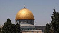 Mescid-i Aksa'da, işgalci İsrail'in çıkardığı zorluklara rağmen 60 bin müslüman cuma namazı kıldı