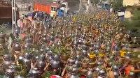 Hindistan'da tepki çeken görüntü: Koronavirüse yakalanmamak için toplu ayin yaptılar