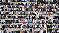 Mescid-i Aksa ramazanın son cuma gününde doldu taştı: 70 bin kişi İsrail zulmüne karşı ellerini semaya açtı