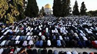Filistinliler Ramazan Bayramı namazını Mescid-i Aksa'da kıldı