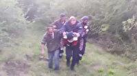 Jandarma donmak üzereyken bulunan yaşlı kadını sırtında taşıdı