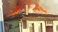 Denizli'de biri koruma altındaki 3 ahşap ev yandı