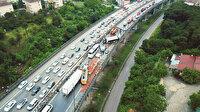 21 araç TEM'de birbirine girdi: Trafik 8 saatte açılabildi