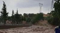 Aydın'da sağanak yağış sonrası sokaklar çamurla doldu