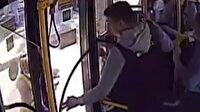 Rusya'da faciadan dönüldü: Bebeğin bacağı otobüs kapısına sıkıştı