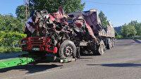 Yalova'da feci kaza: TIR bariyerlere çarptı kabinde sıkışan sürücü hayatını kaybetti