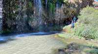 Sivas'ta bir grup doğa tutkunu Değirmenaltı Şelalesi ve çevresindeki tarihi kaya yerleşkelerini gezdi