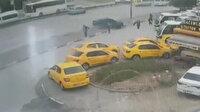 Bursa'da otomobil, otobüs durağına daldı