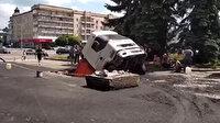 Ukrayna'da yol çöktü kamyon çukura düştü