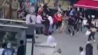 Sefaköy meydanda iki grubun kavgaya tutuştuğu anlar kamerada