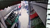 Kaza anı kamerada: Otomobil manava girdi üç kişi saniyelerle kurtuldu
