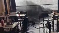 Boğazdan geçen savaş gemilerinin dalgası sert vurdu: Çengelköy'deki kafeleri su bastı
