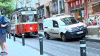Kadıköy-Moda tramvay hattında neredeyse her gün seferler aksıyor: Hattın güzargahına arabasını bırakıp köfte yemeye giden bile var