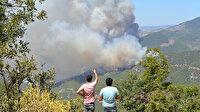 Mersin'deki yangın yerleşim yerlerini tehdit etmeye başladı: 50 ev tedbir amaçlı tahliye edildi