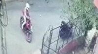 Şişli'de motosiklet hırsızlığı kamerada