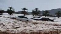 Suudi Arabistan'da sel felaketi: Araçlar sular altında kaldı