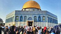 Yüz binlerce Müslüman bayram namazını Mescid-i Aksa'da kıldı