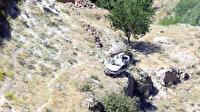 Sürücüsünün el frenini çekmeyi unuttuğu otomobil 330 metrelik vadiye düştü