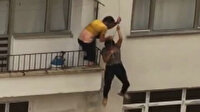 Artvin'de selde mahsur kalan çiftin kurtulma anı kamerada