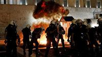 Atina'da aşı zorunluluğuna karşı protesto: Çatışma çıktı