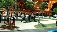 Çocukların kavgasına aileler de katıldı: Mahalle meydan savaşı seyretti
