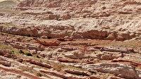 """""""Dünyadaki Mars'' olarak adlandırılan Eğribucak kayalıkları büyüleyici görünümüyle dikkat çekiyor"""