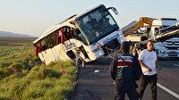 Yolcu otobüsü şarampole devrildi: 22 yaralı var
