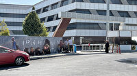 'Sopalı şifacı' kaçtı, mühürlenen ofisinin önünde kuyruk bitmedi