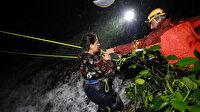 Rize'de sel sonrası çay bahçesinde mahsur kalan vatandaşlar kurtarıldı