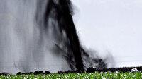 Şanlıurfa'da boru hattı delindi ham petrol fışkırdı: Metrelerce yüksekliğe ulaştı