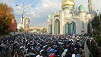 Rusya'da cuma namazı sırasında operasyon: 600 kişi gözaltına alındı: Müslümanlardan tepki yağıyor!