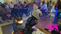 Düğünde motosiklet şov: Damadın arkadaşlarının yaptığını görenler şaşkına döndü