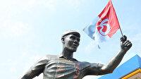 Trabzonsporlu taraftar yıldız oyuncunun heykelini dikti