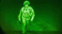 Afganistan'dan ayrılan son ABD askerinin fotoğrafı