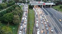 İstanbul'da servis araçları yola çıktı: Trafik erken saatlerde başladı