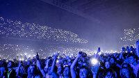 Yasaklarının kalktığı Danimarka'da 50 bin kişilik stadyum konseri düzenlendi