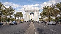 Paris'in simgesi Arc de Triomphe anıtı kumaşa sarıldı