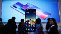 """Litvanya'dan vatandaşlarına """"Çin malı telefonları atın"""" çağrısı"""