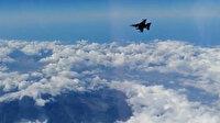 SOLOTÜRK'ün Etna Yanardağı üzerindeki uçuş görüntüleri paylaşıldı